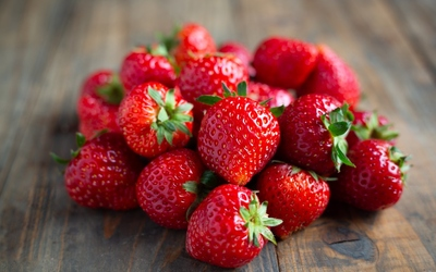 /sites/default/files/styles/teaser/public/2021-05/fresh-strawberries-wooden-table.jpg?h=11b34633&itok=Axny05wv